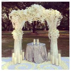 One of the main decor elements for an outdoor wedding is an arch. If you are experiencing a conventional wedding, there are several forms of structures such as pagodas that can be used. Glamorous Wedding, Dream Wedding, Wedding Day, Wedding Tips, Outdoor Wedding Decorations, Ceremony Decorations, Wedding Backdrops, Floral Wedding, Wedding Flowers