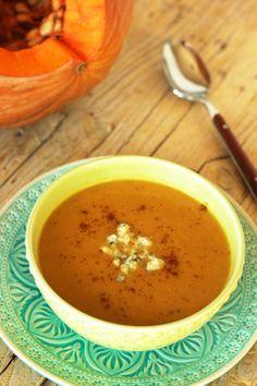 Sopa de abóbora com pêra e queijo Roquefort