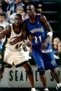 Shawn Kemp and Kevin Garnett square off in Seattle.