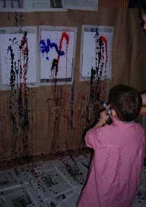 Pintem Joan Miró amb pistoles d'aigua plena de pintura.