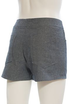 The Maritime Shorts sewing pattern by Grainline Studio is a woven shorts design with a front fly closure, curved front pockets, and back patch pockets.