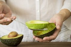 15 Avocado Benefits That Will Change Your Life Healthy Fats, Healthy Eating, Calorie Dense Foods, Avocado Health Benefits, Lose Weight Naturally, Delicious Fruit, Good Fats, Snack, Eating Habits