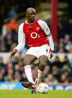 Soccer Tips. One of the greatest sports in the world is soccer, also referred to as football in many nations around the world. Arsenal Fc, Arsenal Players, Arsenal Football, Football Team, Manchester City, David Beckham Manchester United, Soccer Skills, Soccer Tips, Old Trafford