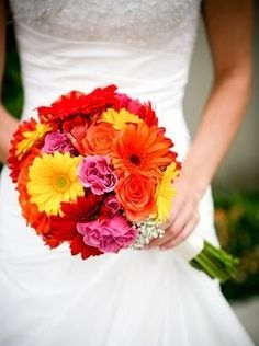 Bridal bouquet - great colors! yourpersonalceremony.com