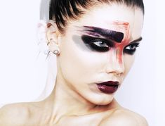 The look is inspired by makeup artist Val Garland.