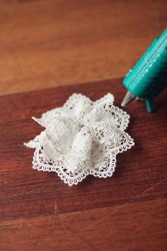 how to make lovely lace flowers