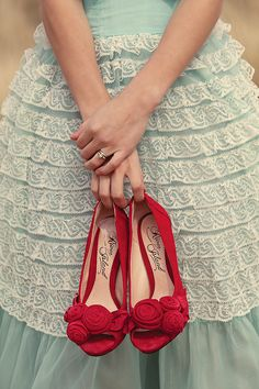 mints, vintage weddings, wedding shoes, color combos, red shoes, dresses, poppy red, aqua, red wedding