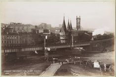 Flinders St,Melbourne in Victoria in Spencer St (looking east). Melbourne Cbd, Melbourne Victoria, Victoria Australia, British Prime Ministers, Historic Homes, Capital City, Vintage Photography, Historical Photos, Old World