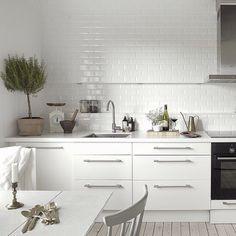imm24:  Kitchen styling by my faves @styledbyemmahos  @blackbirdstyle
