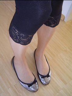 Ballet Flats Outfit, Ballerina Shoes, Pantyhose Outfits, Pantyhose Heels, Cute Shoes Flats, Ballerinas, Extreme High Heels, Best Flats, Women Legs
