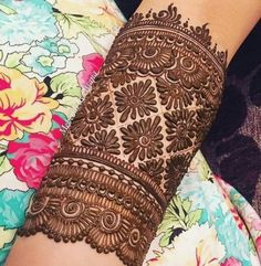 Stunning Mehndi Designs for the 2020 Brides-to-be Easy Mehndi Designs, Henna Hand Designs, Dulhan Mehndi Designs, Henna Tattoo Designs, Latest Mehndi Designs, Bridal Mehndi Designs, Mehendi, Mehndi Designs Finger, Mehndi Designs For Girls
