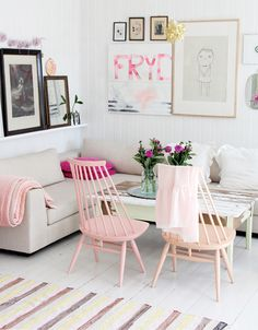 Love these pink wooden chairs