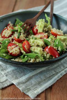 Salada de quinua, espinafre e avocado