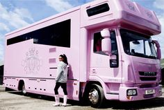 Katie Price& Pink Horse box and pink Bugatti Verone. This is like the lucki. Pink Love, Pretty In Pink, Hot Pink, Luxury Mobile Homes, Mobiles, Pink Wheels, Horse Trailers, Lucky Girl, Everything Pink