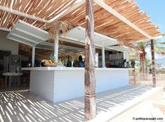 Yesterday a great new beach club officially opened its doors, called Beachouse Ibiza. From the same owners as the other successful beachclub called El. Pool Bar, Restaurant Design, Restaurant Bar, Ibiza Strand, Gazebos, Beach Cafe, Ibiza Beach Club, Outdoor Restaurant, Outdoor Kitchen Design