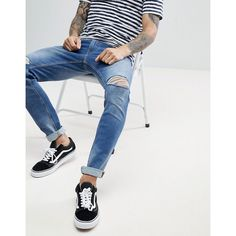 Produkt Slim Fit Jeans With Rip Knee Detail (150 PLN) ❤ liked on Polyvore featuring men's fashion, men's clothing, men's jeans, blue, mens blue ripped jeans, mens destroyed jeans, mens slim fit ripped jeans, mens torn jeans and mens flap pocket jeans