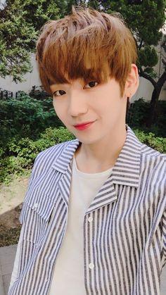 My baby Kenta Hyun Bin, Kim Yongguk, Kwon Hyunbin, Hold Me Tight, Fandom, Produce 101 Season 2, Japanese Men, Flower Boys, Kpop Boy