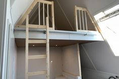 vliering geplaatst Blaricum (1) Attic Rooms, Stables, Bunk Beds, Ladder, Cottage, Attic Ideas, Furniture, Home Decor, Mini
