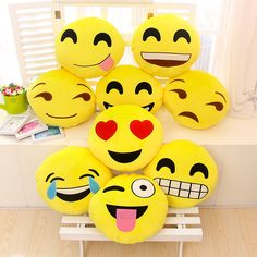 2016 Creative Emoji Cushion cartoon Smiley Face Expression Round Cushions home Pillow Stuffed cotton toy gift free shipping