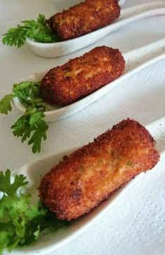 Special Awadhi Cuisine Dahi Ke Kebabs are soft, creamy and melt in mouth appetizer… Recipe source: YouTube I have kept the recipe very simple.. There are many variations to this simple and yu…