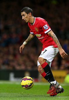 Angel Di Maria of Manchester United in action during the Barclays Premier League match between Manchester United and Chelsea at Old Trafford on October 26, 2014 in Manchester, England.