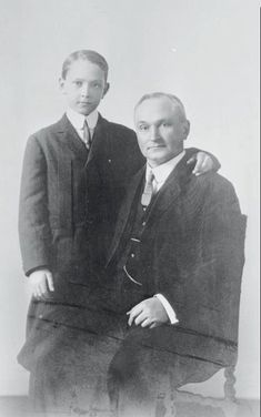 Fredric March at the age of twelve with his father