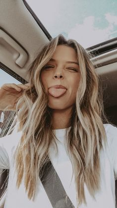Desk to Datenight with Glo Skin Beauty* long bronde hair Long Bronde Hair, Hair Inspo, Hair Inspiration, Poses, Grunge Hair, Hair Day, Hair Looks, Cool Hairstyles, Picture Day Hairstyles