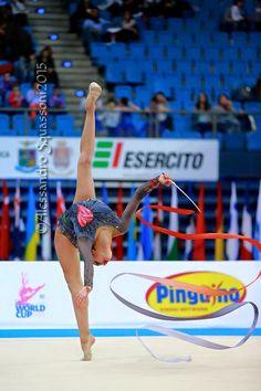Margarita Mamun (Russia) won gold in all-around at Tashkent World Cup, 2015