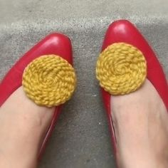 Awesome No-Knit DIY Yarn Project for shoes