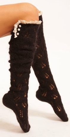 look at these cute boot socks. (I think I'm a little obsessed with boot socks. Estilo Fashion, Look Fashion, Ideias Fashion, Autumn Fashion, Womens Fashion, Spring Fashion, Mode Style, Style Me, Mode Shoes