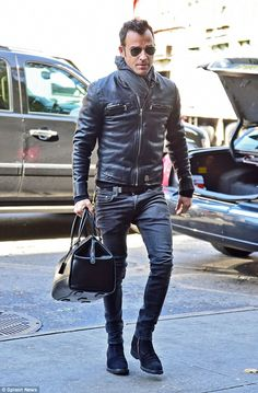 Jackets For Stylish Men. Jackets certainly are a crucial component to every single man's set of clothes. Men have to have outdoor jackets for assorted situations and several weather conditions. Leather Jacket Outfits, Men's Leather Jacket, Leather Men, Black Leather Jackets, Stylish Men, Men Casual, Moda Men, Der Gentleman, Justin Theroux