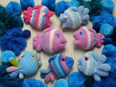 Never Throw your Old Socks again Crafts For Kids) Sock Crafts, Easy Crafts For Kids, Fun Crafts, Sewing Toys, Sewing Crafts, Sewing Projects, Sock Elephant Pattern, Sock Bunny, Bunny Images