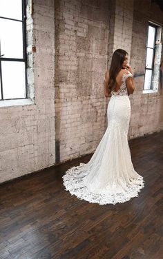 Romantic and Sexy Lace Wedding Dress with Modern Detail - Martina Liana Fitted Wedding Gown, Boho Wedding Dress, Designer Wedding Dresses, Lace Wedding, Sparkle Wedding, Couture Wedding Gowns, Bridal Gowns, Bridal Suite, Ball Gowns