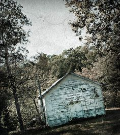♥♡♥♡Walnut Grove Methodist Church in Madison County, MI. Abandoned Churches, Old Churches, Abandoned Places, Laura Ingalls Wilder, Ingalls Family, Madison County, Famous Places, Place Of Worship, Antique Photos