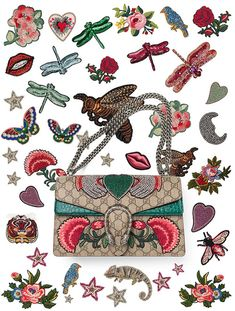 Gucci lance son service de personnalisation broderie sacs Jeans Brodés, Gucci Scarf, Create Shirts, My Bags, Purses And Bags, Fashion 2017, Runway Fashion, Fashion News, Hand Bags 2017