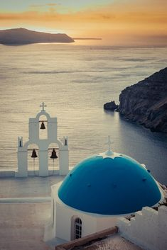 Greek Culture, Greece Islands, Romantic Places, Santorini Greece, Greece Travel, Great View, Most Beautiful Pictures, Sunset, World