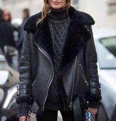 Look automne tendance manteau noir peau de mouton tendance automne