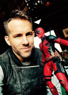 Is Ryan Reynolds appearing in a Sci-Fi film after 'Deadpool'? Find out the next movie project lined up for the 'Deadpool' star. Deadpool Movie, Deadpool Quotes, Deadpool 2016, Deadpool Costume, Deadpool Funny, Dead Pool, Marvel Actors, Marvel Dc, Amor