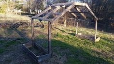 This cucumber trellis house was designed for three cucumber plants on each side. Pallet+Cucumber+Trellis