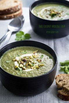 Thai coconut broccoli soup. Done in just 15 mintus. It also includes a video recipe!