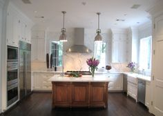 Light filled kitchen (Cultivate.com)