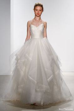 KELLY FAETANINI #Bridal Spring 2016 #Wedding Dresses | Wedding Inspirasi #weddings #weddingdress #weddinggown
