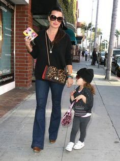 Kyle Richards Photos - Kyle Richards And Daughters Out In Beverly Hills - Zimbio