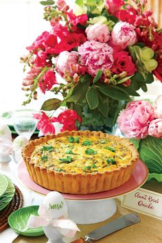 Asparagus, Spring Onion, and Feta Quiche - 68 Ways with Farm-Fresh Eggs - Southernliving. This elegant breakfast classic is full of fresh spring ingre Easter Lunch, Easter Dinner, Easter Side Dishes, Farmers Market Recipes, One Dish Dinners, Quiche Recipes, Breakfast Dishes, Breakfast Casserole, Food Dishes