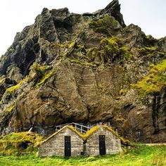 A cabin for Two?? Who would you spend it with? (at Happy Valentines Day!)   http://chrisburkard.tumblr.com/
