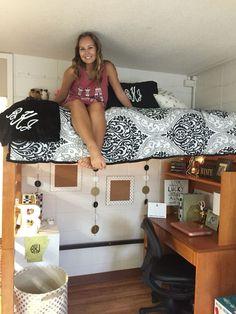 Black & Gold dorm. Arkansas Reid Hall
