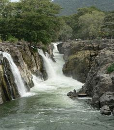 A Trip To Hogenakkal Falls in India