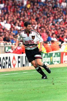 Denis Irwin of Manchester United, 1998