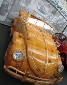 Volkswagen in Wood ~ Cars with Character Vw Beetle Parts, Beetle Car, Volkswagen Convertible, Carros Retro, Vw T1 Camper, Strange Cars, Weird Cars, Wooden Car, Wooden Truck