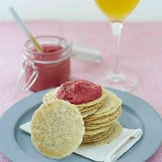 Water crackers aux graines et Houmous de betterave © Cidres de France